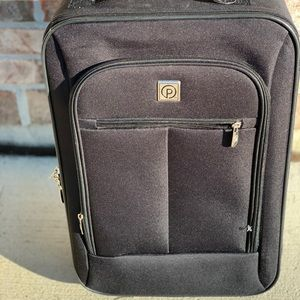 Prot G 18in Suit case